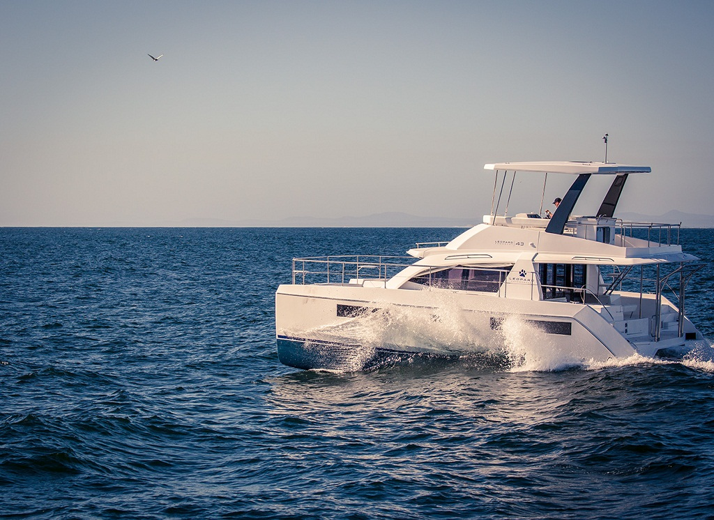 Leopard-43 Catamaran Reviews