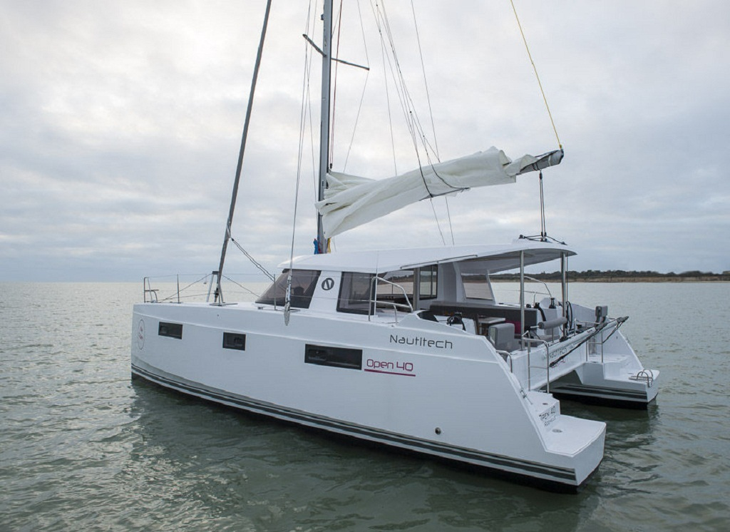 NAUTITECH OPEN 40 Catamaran Reviews